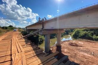 Andamento das construções de pontes na MT-246/339